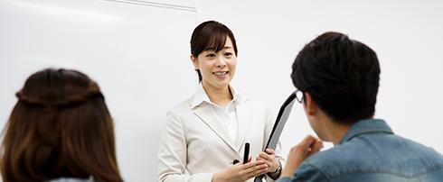 アイ・エス・エス・インスティテュートでは、英語・中国語の通訳者・翻訳者の養成、および、法人向け語学研修サービスを提供しています。